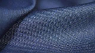 スーツのテカリの原因は?予防策と直す方法